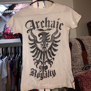 Archiac Tee